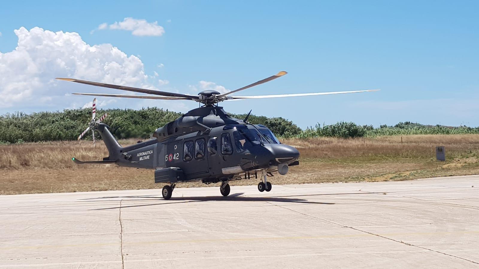 Elicottero 139 : Riserva dello zingaro tp : escursionista francese soccorsa da
